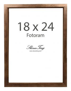18 x 24 cm kokoinen kehys pähkinänvärisestä puusta