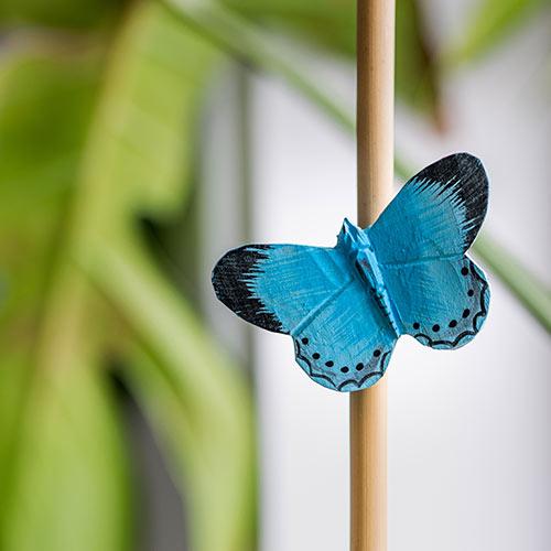 sininen puusta tehty sinisiipi perhosmagneetti wildlife garden